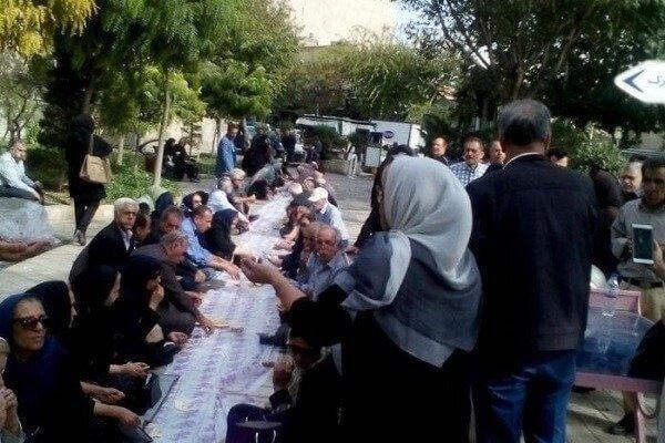 تجمع بازنشستگان کشوری برای سومین روز در مقابل سازمان برنامه و بودجه