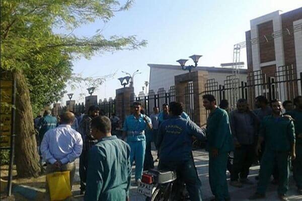 ادامه اعتصاب کارگران شهرداری دزفول