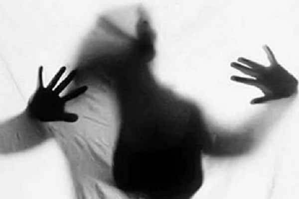 خودکشی و خودسوزی زنان