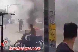 تظاهرات و درگیری جوانان در اصفهان