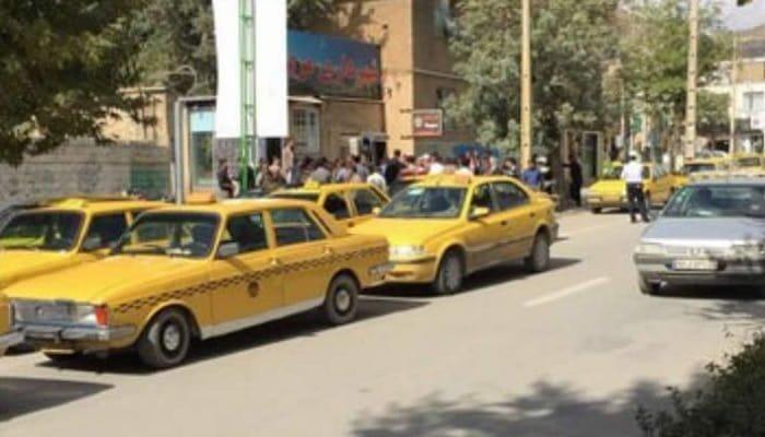 تجمع اعتراضی رانندگان تاکسی در مریوان