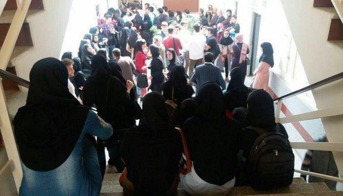 تجمع اعتراضی دانشجویان دانشگاه آزاد سنندج