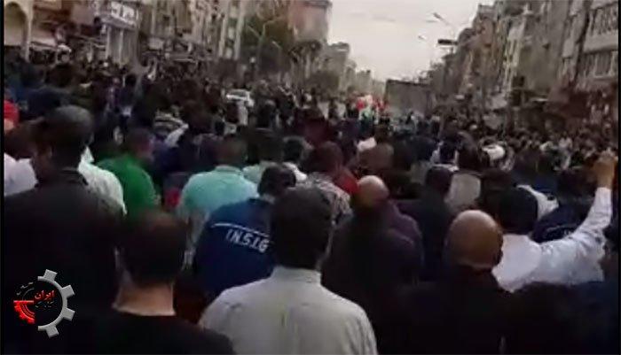 ای رهبر آزاده مافیا هم آزاده!؟ شعار کارگران فولاد اهواز ۱۰آذر