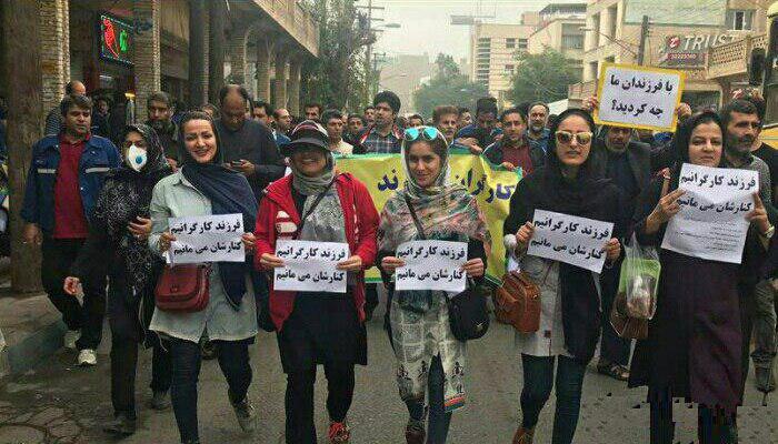 جلوداری زنان و دختران در تظاهرات کارگران فولاد اهواز - تهدید کارگران فولاد اهواز