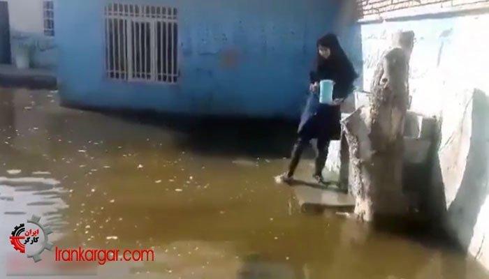 آبخوری دانش آموزان در یک مدرسه دخترانه دولتی