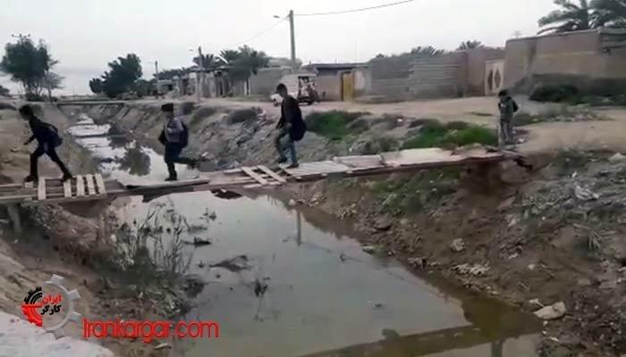 پل عبور دانش آموزان به مدرسه