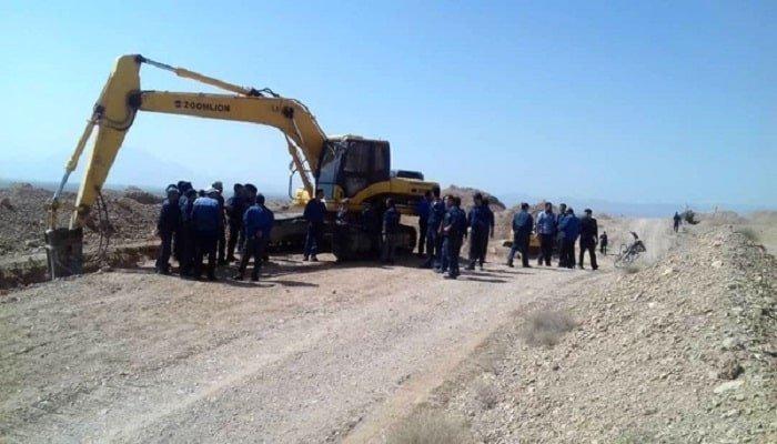 تجمع اعتراضی دوباره کارگران سیمان کرمان در اعتراض به بی توجهی به امنیت شغلیشان