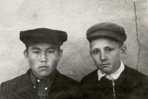 نورسلطان نظربایف، دوران کودکی و نوجوانی رهبران جهان