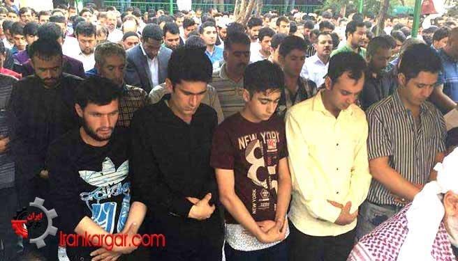 صف جوانان اهل سنت در تهران برای برگزاری نماز عید فطر