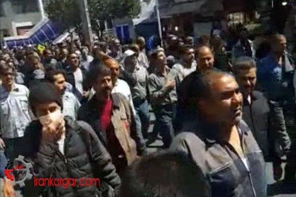 راهپیمایی کارگران بهجانآمده آذرآب اراک ۱۳شهریور