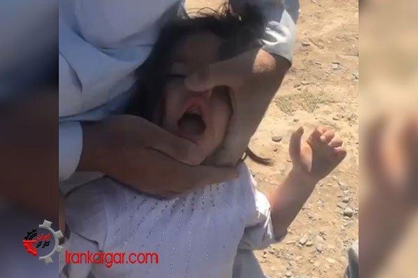 دختر بچه در سیاه خوله