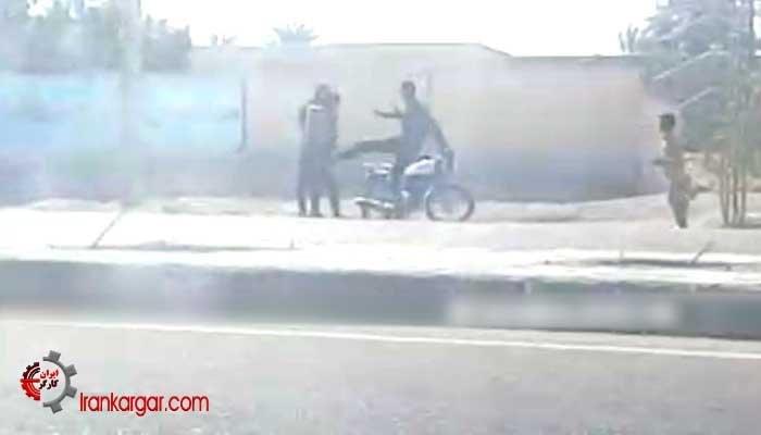 کتکزدن دو نوجوان موتورسوار